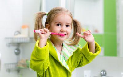 Consejos: Cómo hacer (y convencer) que los más peques se cepillen los dientes